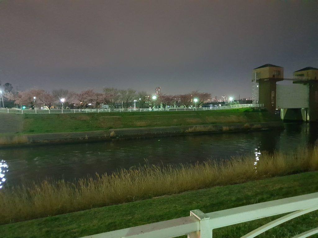 Galaxy S9+で夜に撮影した写真